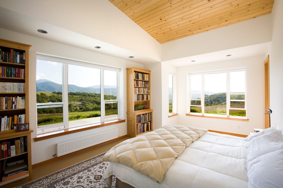 Mullioned Windows for a Contemporary Bedroom with a Window Sill and Master Bedroom by Carlos Delgado Architect