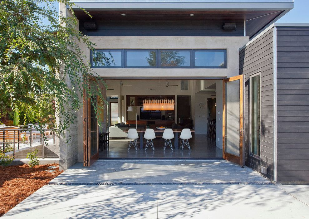 Nanawall Cost for a Modern Exterior with a Molded Chair and South Clark Avenue by Elevation Architects