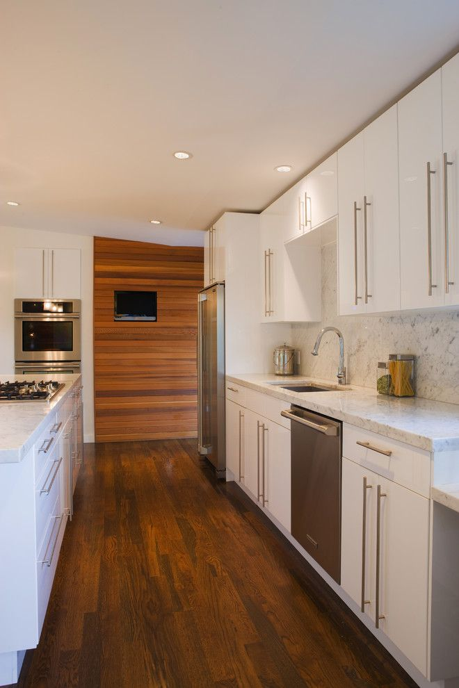 Nw Artisan Hardware for a Modern Kitchen with a White Kitchen and Nw Homes by Vanillawood