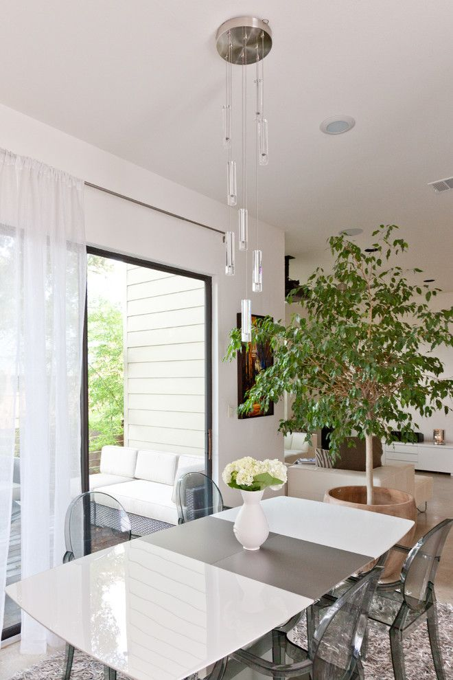 Nws Austin for a Contemporary Dining Room with a White Dining Table and My Houzz: Modern Home by Sarah Natsumi Moore