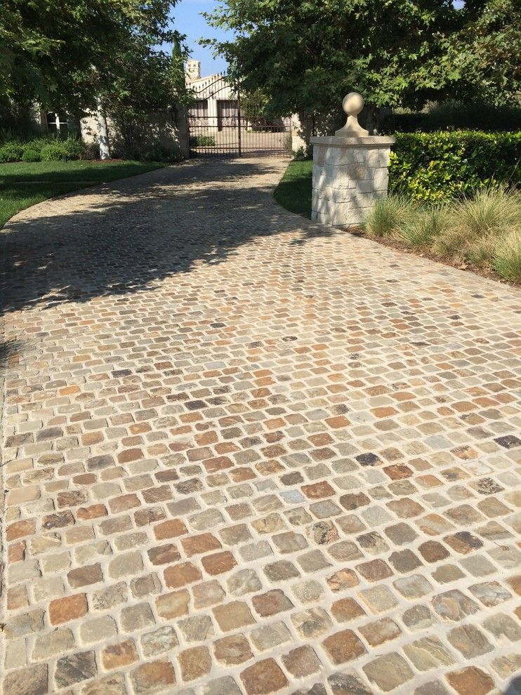 Orco Block for a Transitional Landscape with a Traditional and Residential Driveway by Orco Block & Hardscape