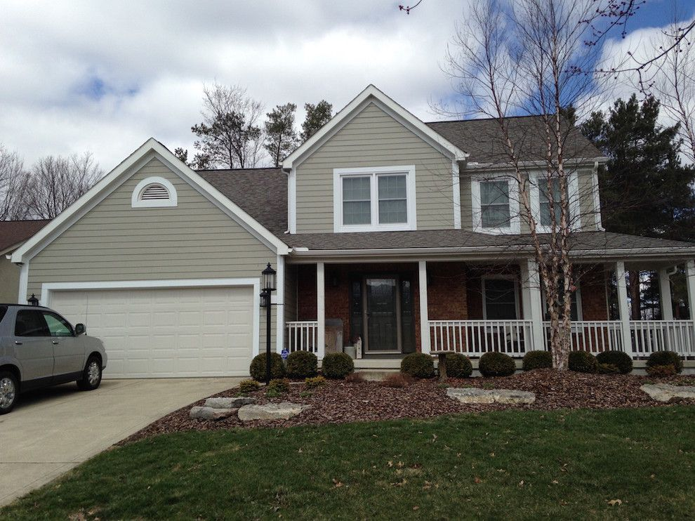 Owens Corning Roofing for a Traditional Exterior with a Monterey Taupe and James Hardie 7.25