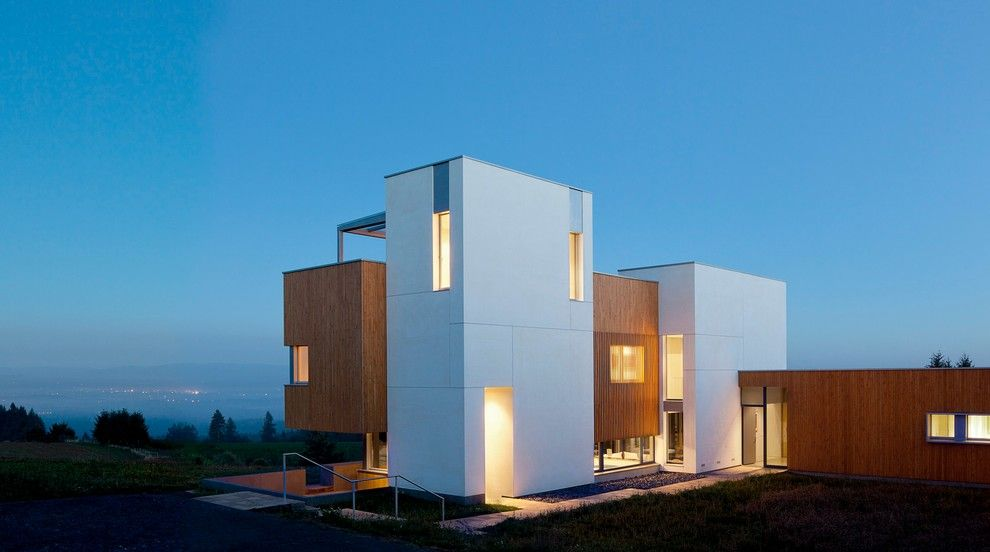 Passive Solar House Plans for a Contemporary Exterior with a Modern Design and Karuna Passive House by Hammer & Hand