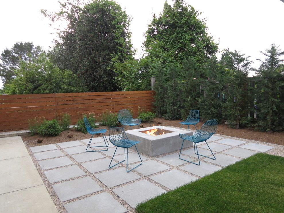 Paver Patterns for a Contemporary Patio with a Lawn and Green Lake by Coates Design Architects Seattle