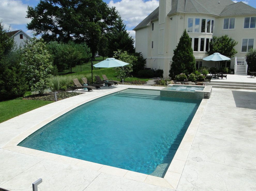 Pebble Sheen for a Contemporary Pool with a Infinity Spa and Contemporary Elements   Collegeville, Pa by Armond Aquatech Pools