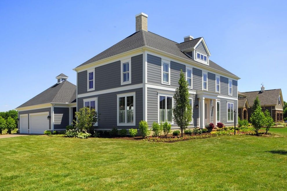 Pittsburgh Paints for a Traditional Exterior with a Exterior and Mccumber Lane, Lewis Center by Weaver Custom Homes
