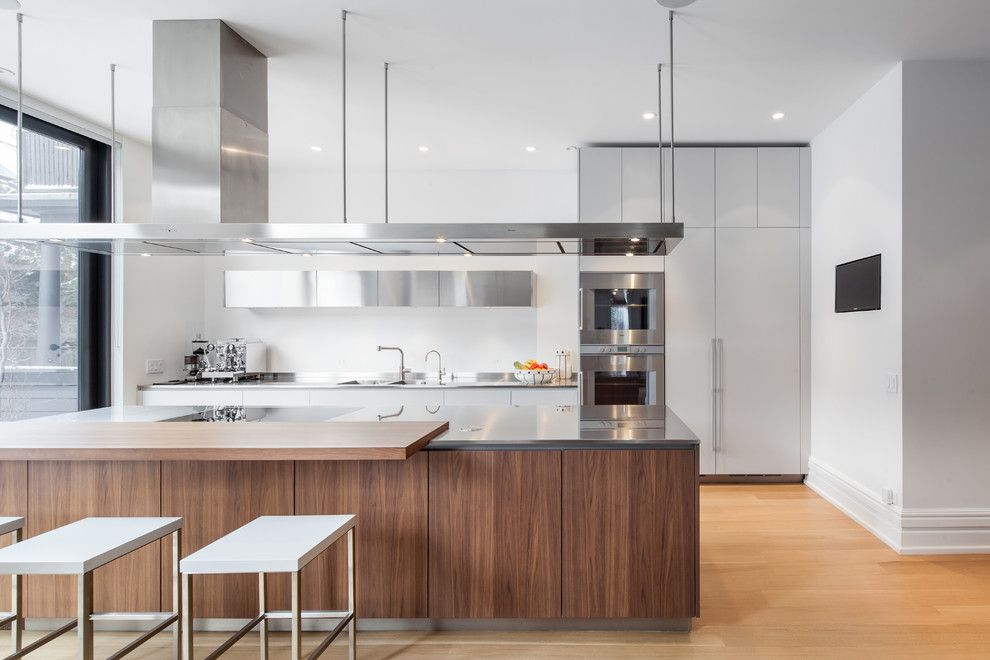 Poliform for a Contemporary Kitchen with a Television and No. 8