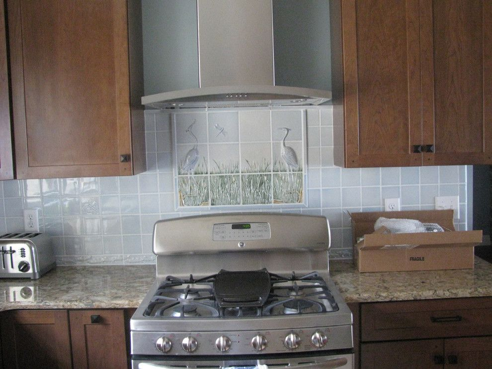 Pratt and Larson for a Traditional Kitchen with a Tile and Spaces and Installations with Pratt & Larson by Pratt and Larson Ceramics