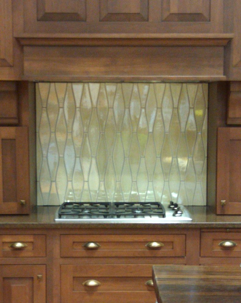 Pratt and Larson for a Traditional Kitchen with a Tile Made in the Usa and Spaces and Installations with Pratt & Larson by Pratt and Larson Ceramics