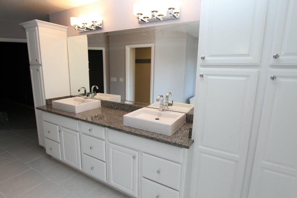 Prosource Orlando for a Modern Bathroom with a Delta Faucet and Landmark Drive by Morrone Interiors