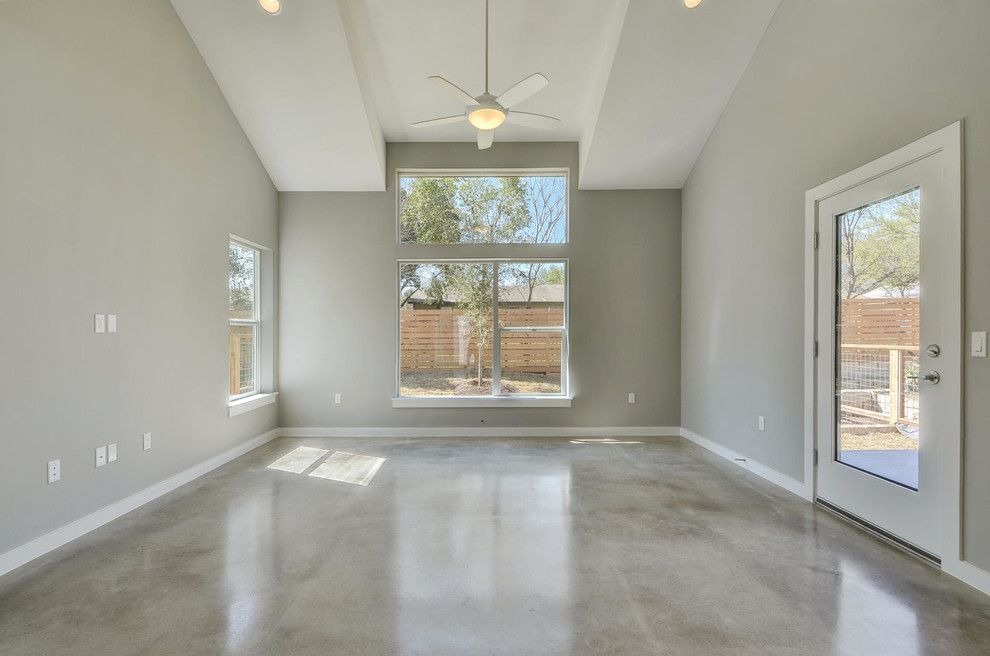 Psw Real Estate for a Modern Living Room with a Texas and Sweetbriar by Psw Real Estate