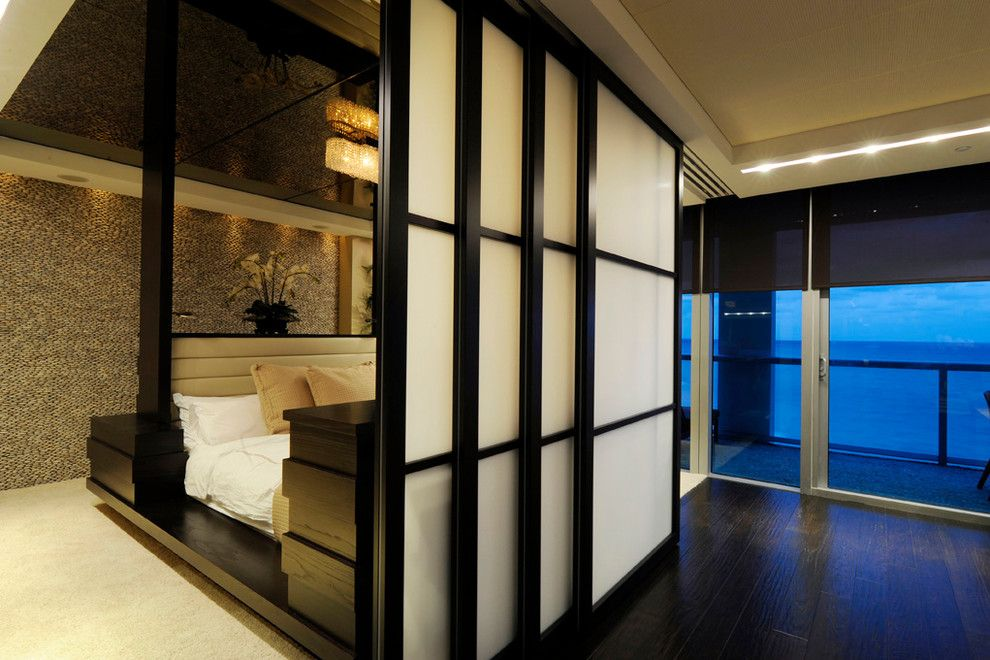 Raydoor for a Contemporary Spaces with a Sliding Door and Residence, Km Plaza by Raydoor
