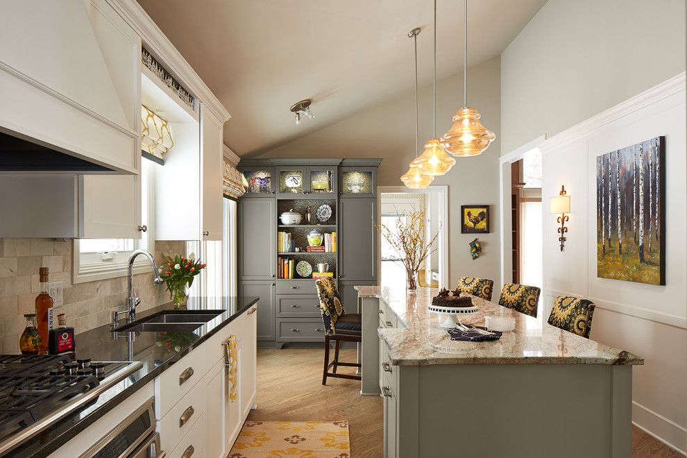 Ren Wil for a Traditional Kitchen with a Glass Pendant Light and Kor Interior Design by Susan Gilmore Photography