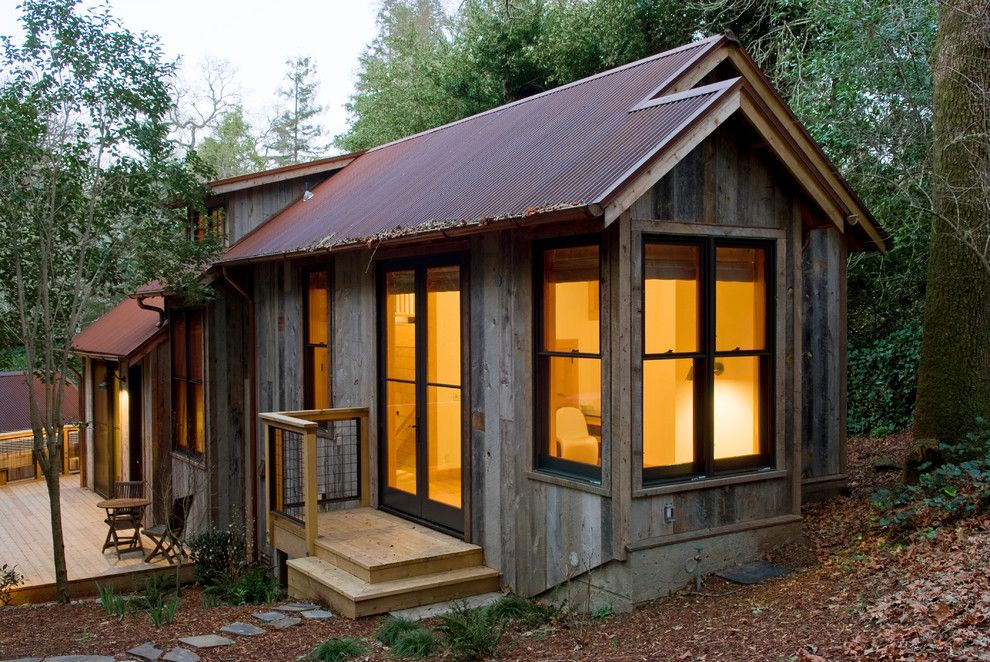 Reuse Hawaii for a Eclectic Shed with a Wood Deck and Ross Guest Cabin by Dotter & Solfjeld Architecture + Design