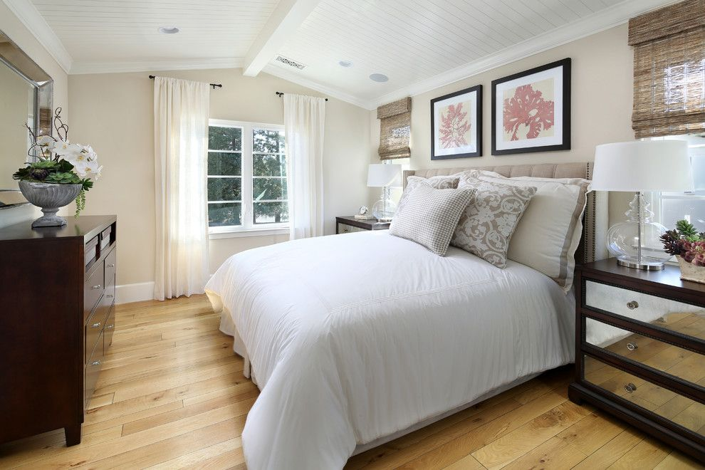 Robson Homes for a Traditional Bedroom with a Light Wood and Apricot Commons in Mountain View by Robson Homes