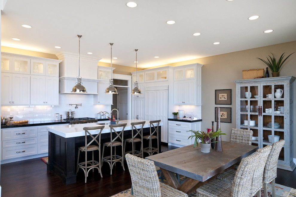 Ryland Homes Reviews for a Traditional Kitchen with a White Counters and Modified Telluride by Candlelight Homes by Candlelight Homes