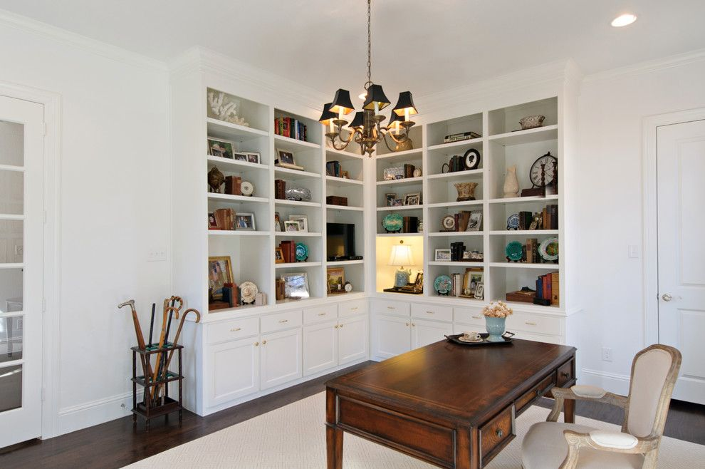 Sandlin Homes for a Transitional Home Office with a Dallas and Custom Home: University Park, Dallas by Christopher Sandlin Homes