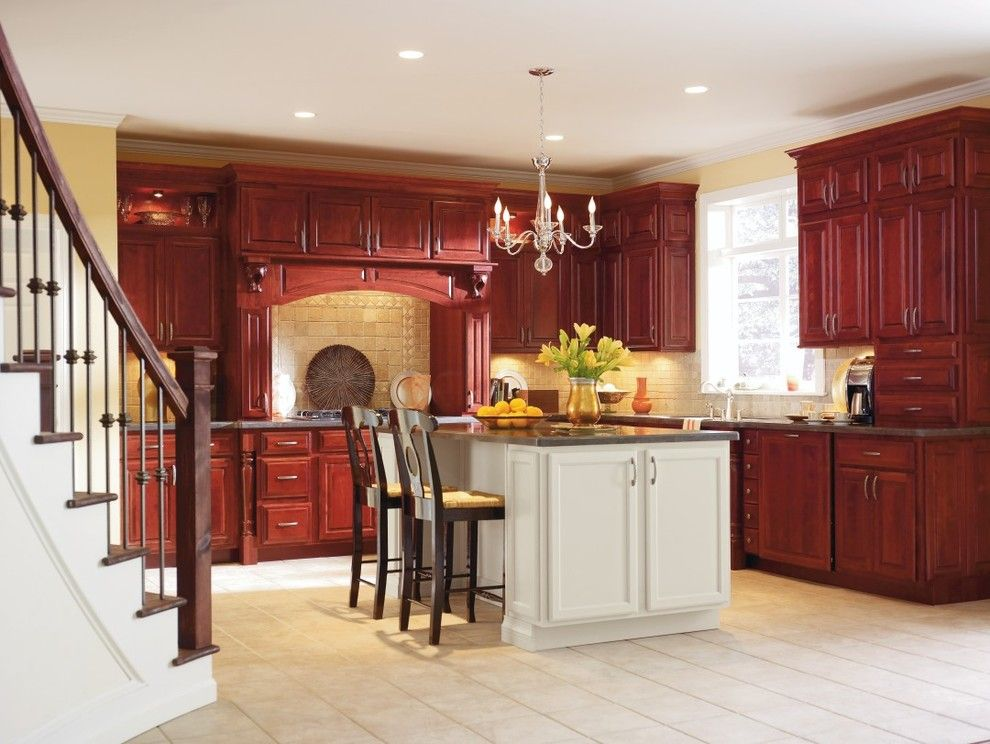 Schrock Cabinets for a  Kitchen with a Schrock and Schrock Essence Brookshire Cabinets by Masterbrand Cabinets, Inc.