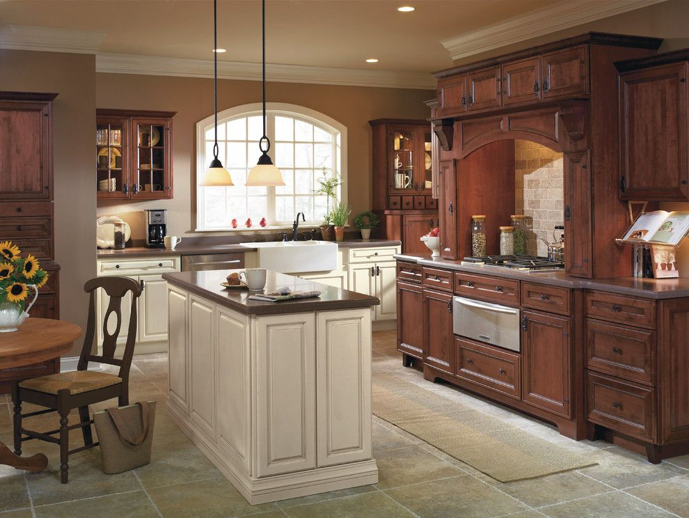 Schrock Cabinets for a Traditional Kitchen with a Traditional and Rustic Kitchen with Contrasting Finishes by Masterbrand Cabinets, Inc.