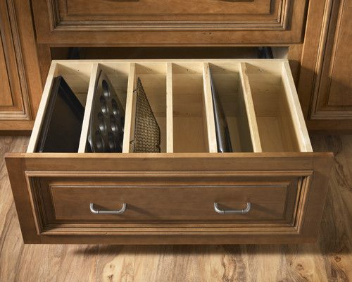 Schuler Cabinetry for a Traditional Kitchen with a Organized and Organization Done