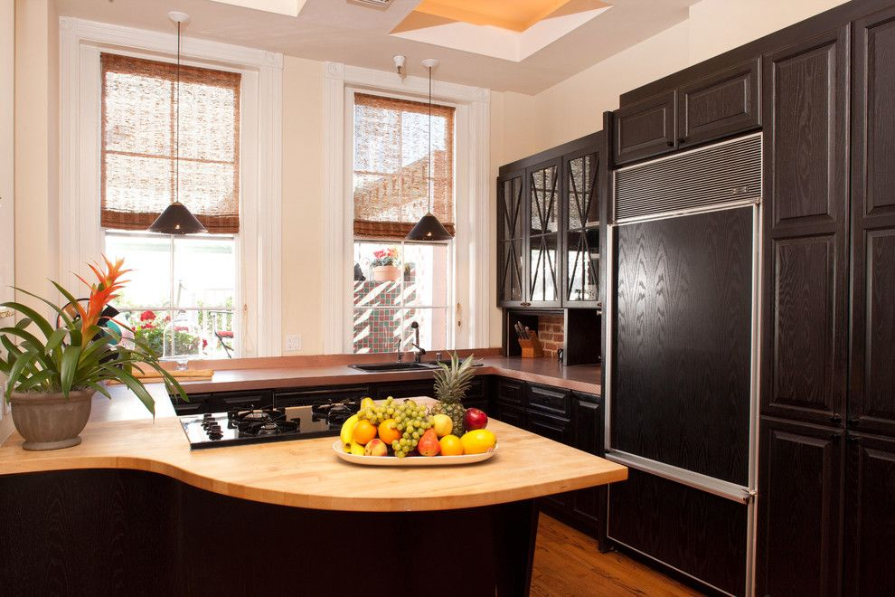 Sewell Appliance for a Traditional Kitchen with a Woven Shades and 19th Century Urban Townhouse by Marsha Sewell & Associates