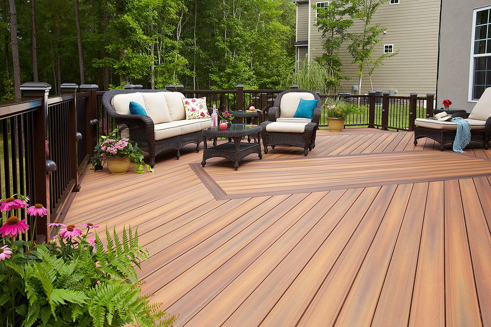 Shadowbox Fence for a  Deck with a Outdoor Lounge and Fiberon by Fiberon Decking