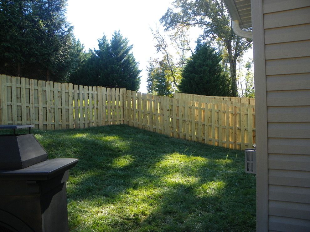 Shadowbox Fence for a Traditional Spaces with a Traditional and Shore Residence by David's Construction Services