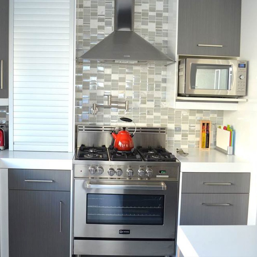 Shelf Genie for a Modern Kitchen with a Mosaic Tile and 36