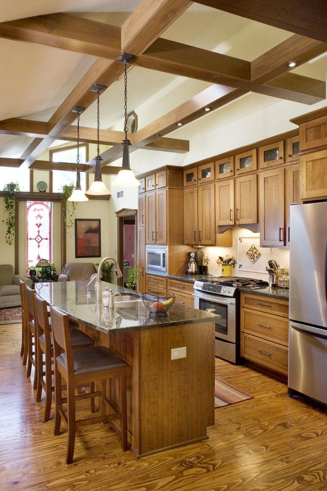 Shiloh Cabinets for a Traditional Kitchen with a Stainless Steel and Kitchen by the Lifestyle Group Inc.