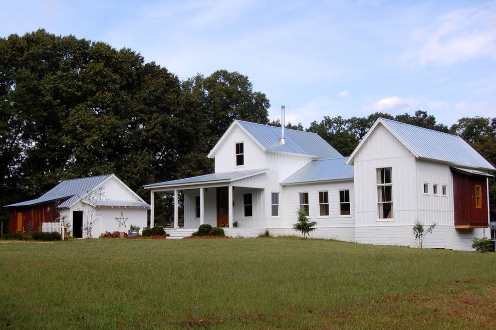 Shotgun Houses for a Farmhouse Exterior with a Metal Roof and My Houzz: Colorful Vintage Finds Fill a Chic Modern Farmhouse by Corynne Pless
