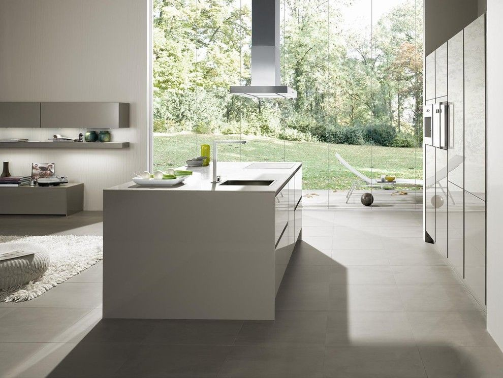 Siematic for a Modern Kitchen with a German Design and Siematic S2 by Siematic Mobelwerke Usa