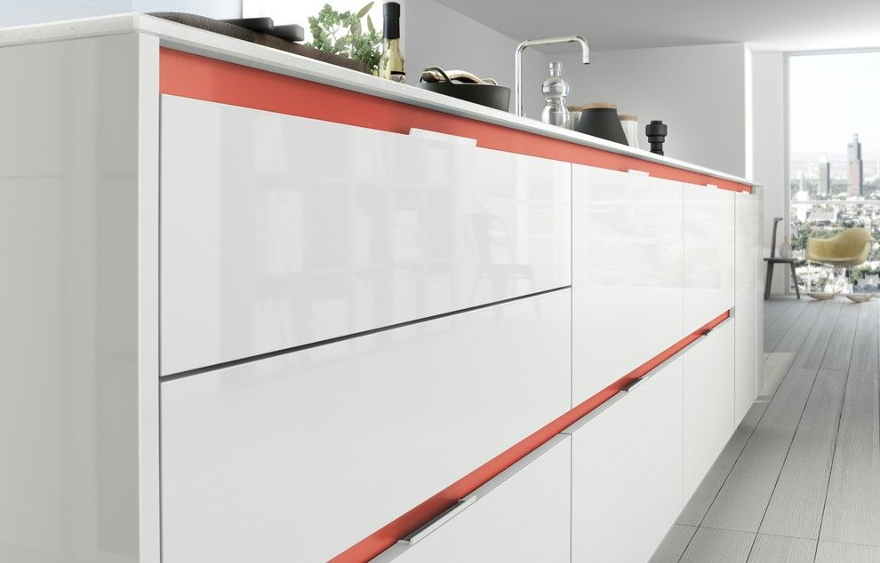 Siematic for a Modern Spaces with a Black Kitchen Cabinets and Siematic S3 by Siematic Mobelwerke Usa