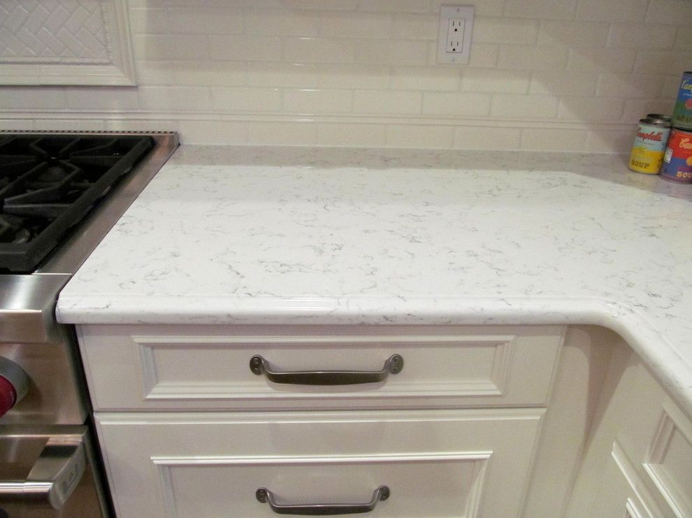 Silestone Lyra for a Traditional Kitchen with a Silestone Lyra Countertop and Silestone Lyra Countertop by Soshunt