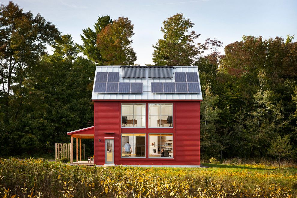 Simple Solar Homesteading for a Contemporary Exterior with a Go Home and the Go Home Passive House by Go Logic