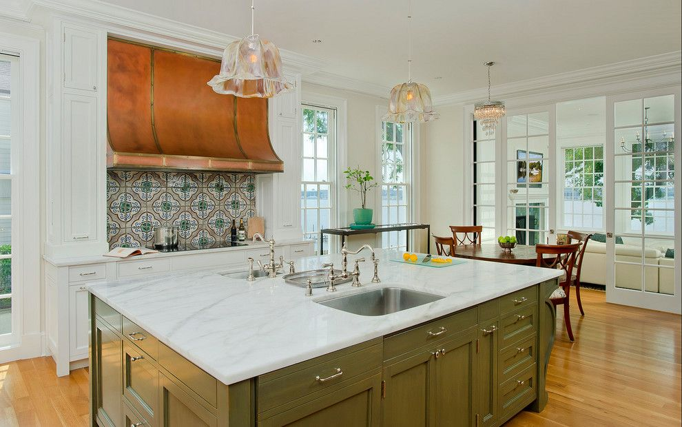 Singing River Electric for a Traditional Kitchen with a Green Island and Severn River Residence by Good Architecture, Pc