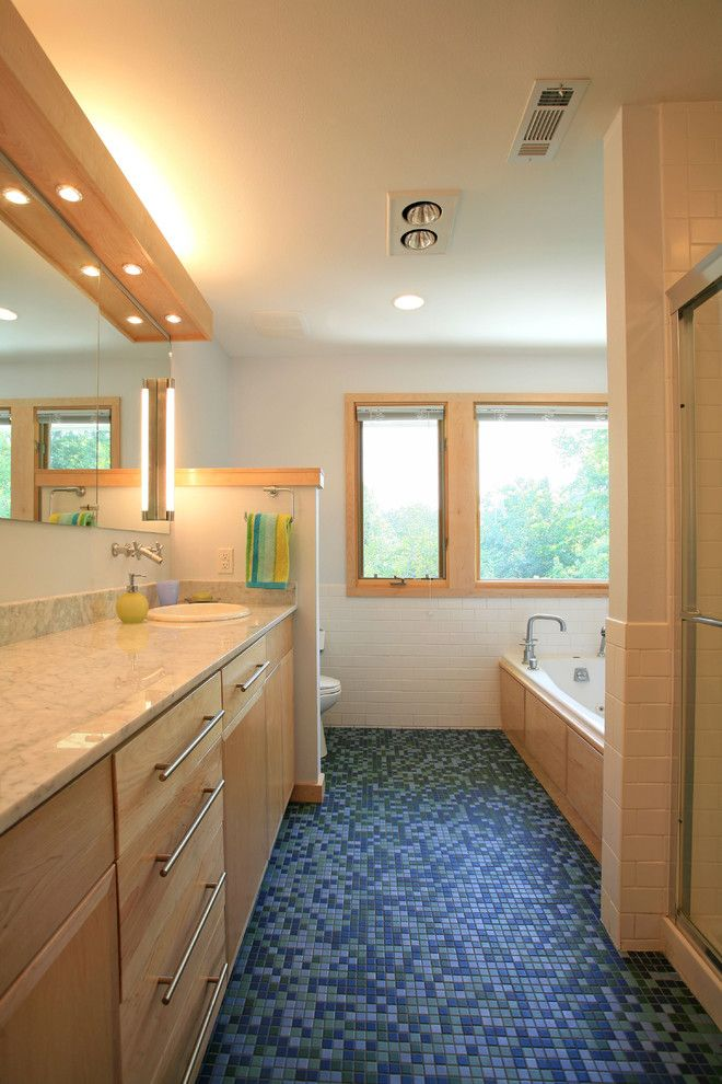 Slv Lighting for a Contemporary Bathroom with a Ceiling Lighting and Romwoods Bathroom by Demx Architecture