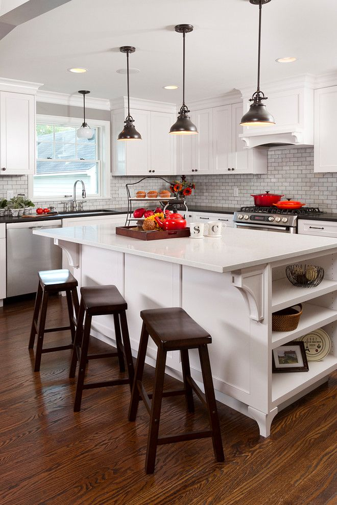 Southern Lights Mn for a Traditional Kitchen with a Crown Moulding and Minikahda Vista Cape Cod by Fluidesign Studio