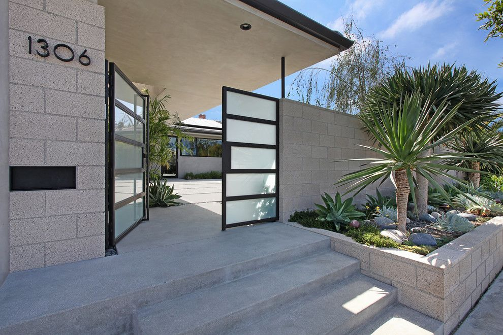 Southgate Glass for a Midcentury Entry with a Modern and Outrigger Residence by Anders Lasater Architects