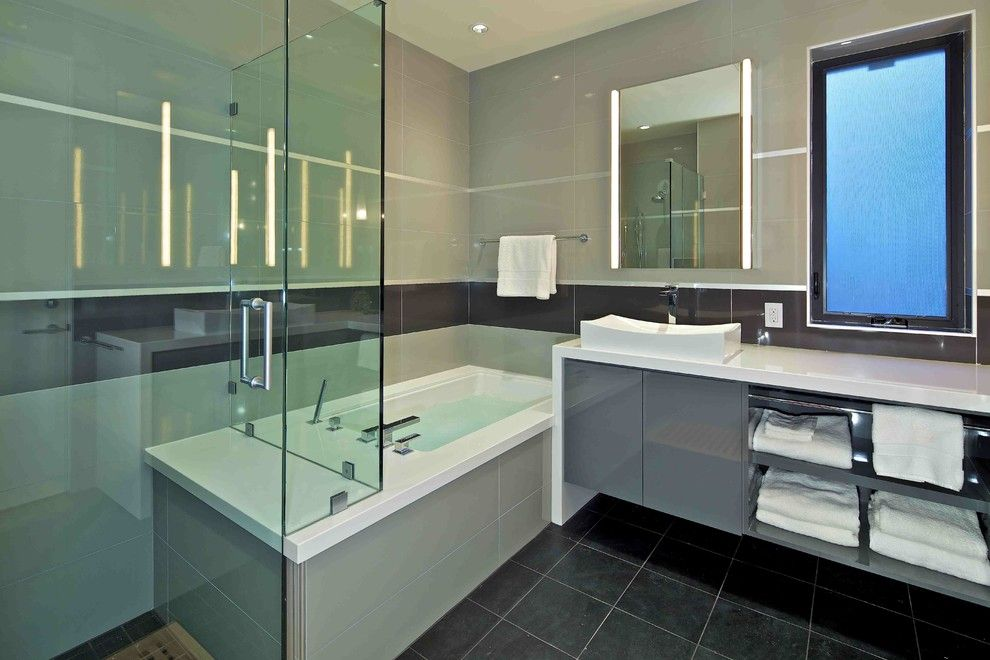 Starfire Glass for a Contemporary Bathroom with a Charco and Custom Home by Charco Design & Build Inc.