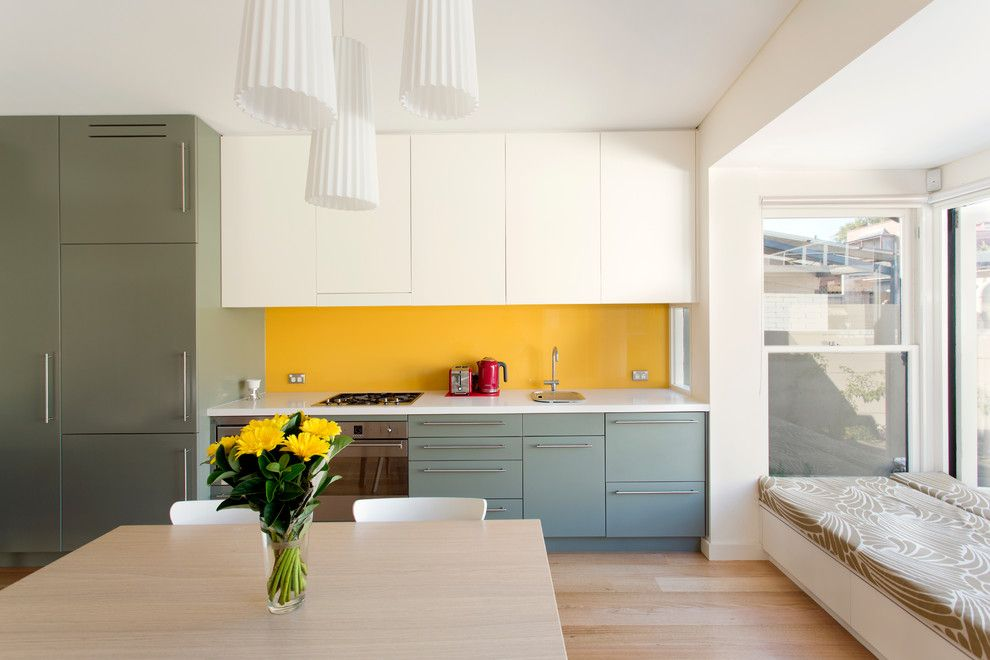 Starphire Glass for a Contemporary Kitchen with a Bench Seat and Victorian Workers Cottage Addition by Danny Broe Architect