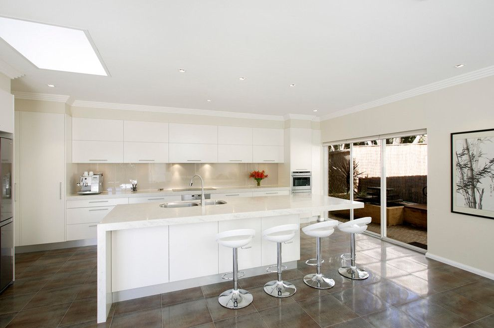 Starphire Glass for a Contemporary Kitchen with a Double Kitchen Sink and St Ives Kitchen by Art of Kitchens Pty Ltd
