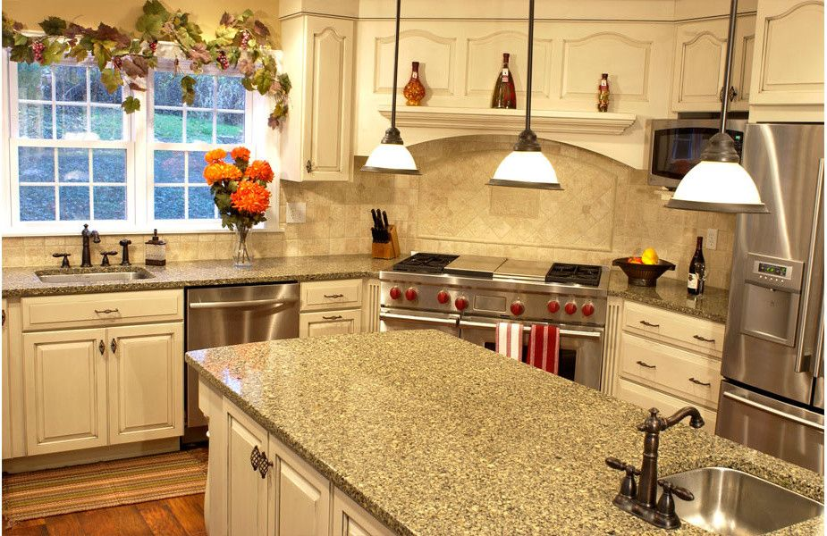 Statewide Remodeling for a Traditional Kitchen with a Traditional Kitchen and Kitchen Remodel by Statewide Remodeling Houston