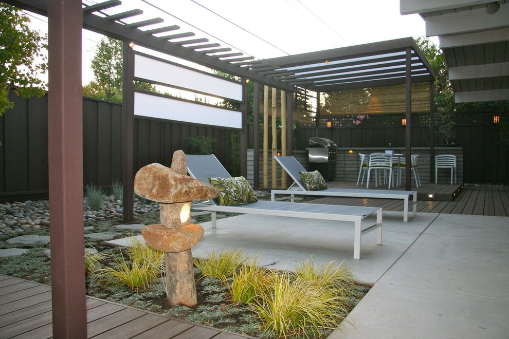 Tap Plastics for a Modern Landscape with a Deck and Haramaki Residence by Mscape Design