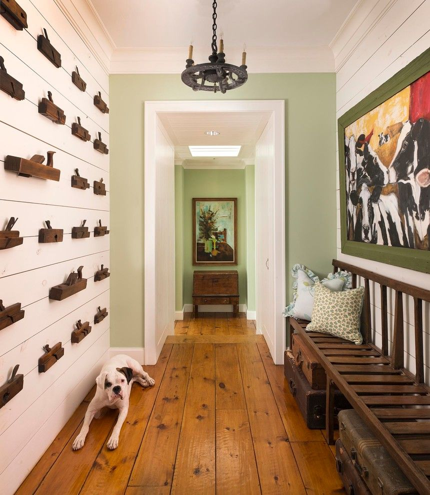 Texas Tool Traders for a Farmhouse Hall with a Wall Art and Athens Farmhouse by M. Barnes & Co