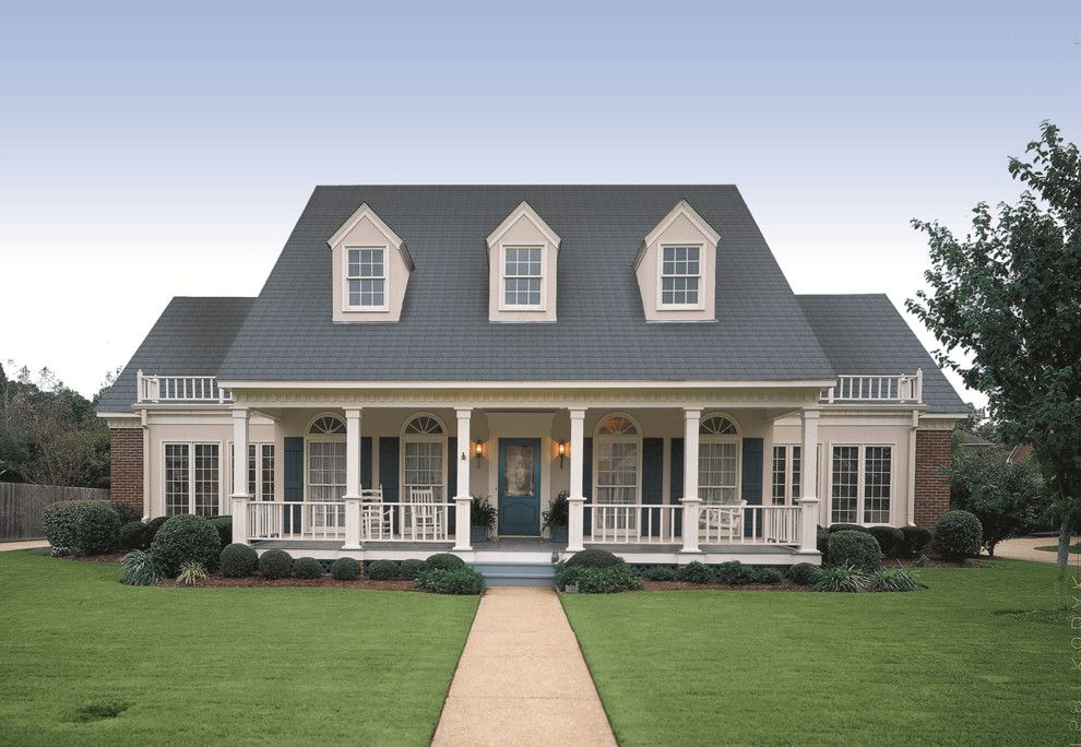 Incredible Thermatru For A Traditional Entry With A Colonial And Classic Largest Home Design Picture Inspirations Pitcheantrous