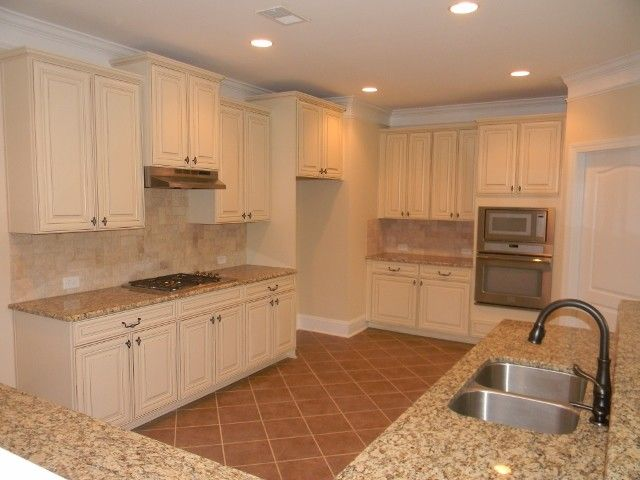 Timberlake Cabinets for a Traditional Kitchen with a Kitchen and the Lexington by Essex Homes Southeast Inc