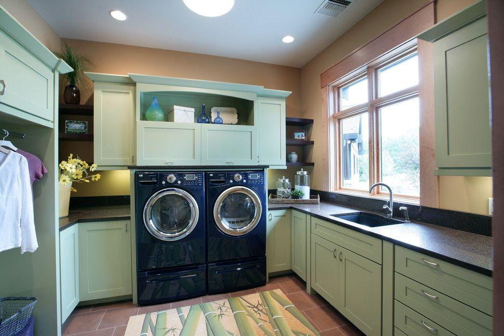 Top Load Vs Front Washing Machine For A Contemporary Laundry Room With Floor Tile