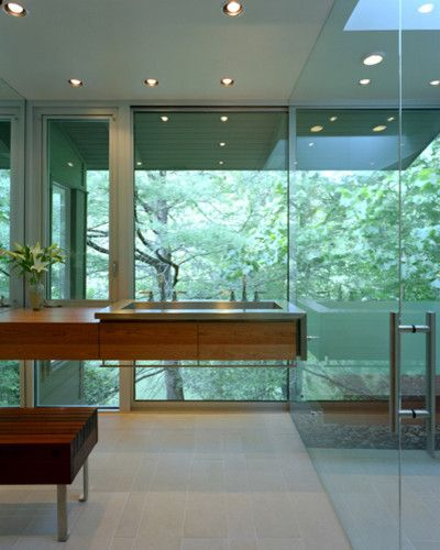 Treehouse Austin for a Modern Bathroom with a Columns and Alterstudio by Alterstudio