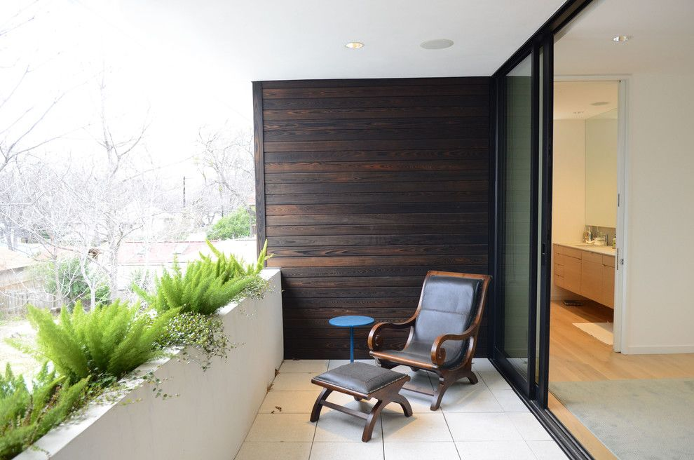 Treehouse Austin for a  Porch with a My Houzz and My Houzz: Modern Urban Oasis in Austin by Kara Mosher