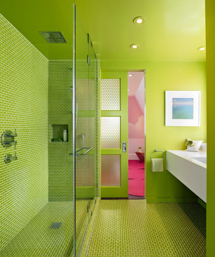 Trustile Doors for a Modern Bathroom with a Shower Niche and Fogscape / Cloudscape by Min | Day Architects